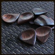 Groovy Tones - Teak - 1 Guitar Pick | Timber Tones